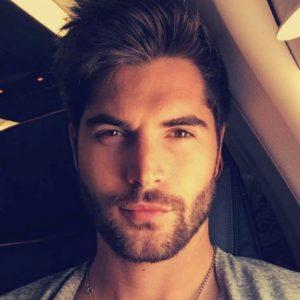 small-trendy-beard-style